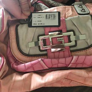Pink guess purse 👛